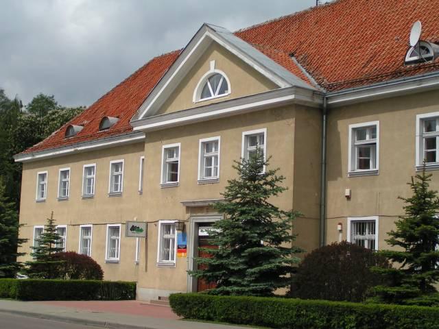 Wejście do budynku Powiatowego Urzędu Pracy