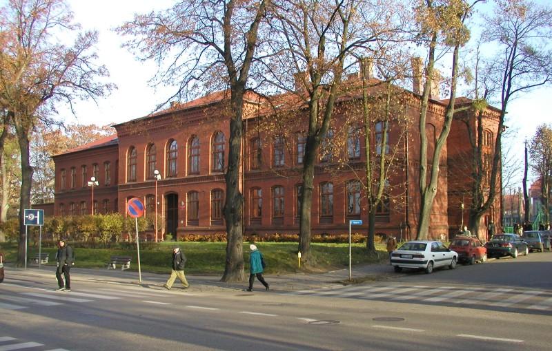 Budynek pierwszego liceum ogólnokształcącego